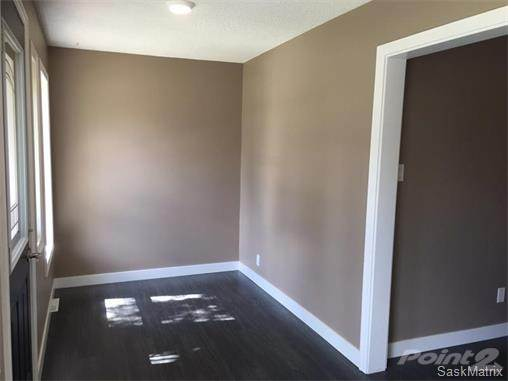 bright sitting room in 1 bedroom house for rent in Moose Jaw